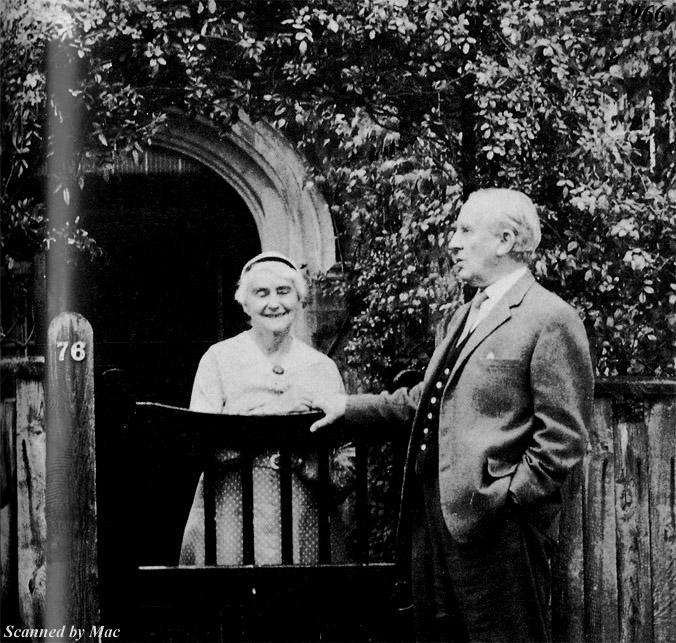 Дж. Р. Р. Толкин и съпругата му Едит, 1966 г.