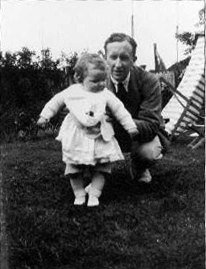 Толкин и дъщеря му Присила