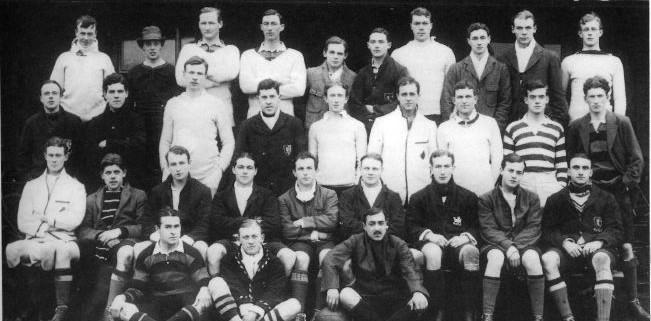 Толкин в отбора по ръгби в Екситър колидж, Оксфорд, 1914 г.